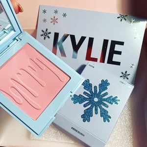 BNIB Winter Kissed Limited Edition Kylie Cosmetics